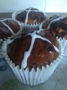 Gluten free hot cross bun cupcakes are an alternative to traditional hot cross buns