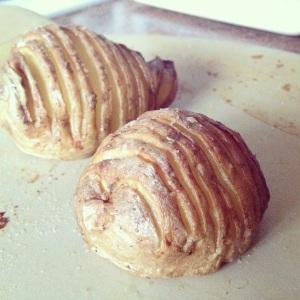 An tasty and pretty alternative to your regular jacket potato or your roast potato.