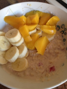 Using gluten free porridge oats you can make these yummy overnight oats. This version is made with strawberry yoghurt and skimmed milk and topped with mango and banana